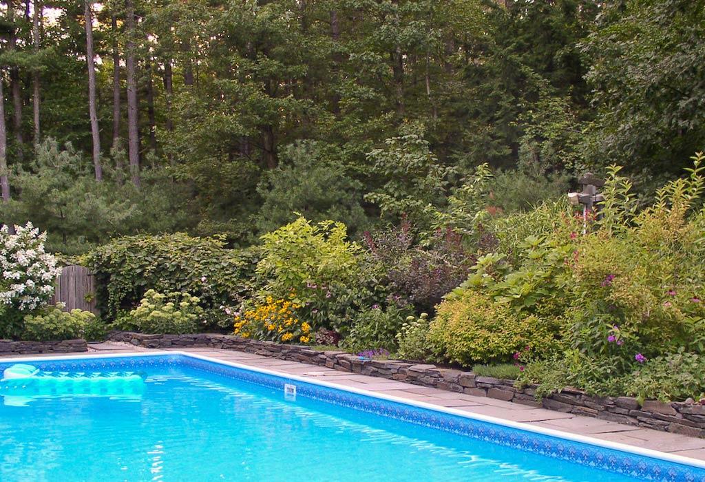 Home design interior monnie garden with pool for Garden pool pdf